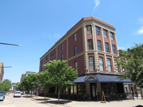 The Market House should be your second stop in Knoxville --- right after the Visitor's Center.